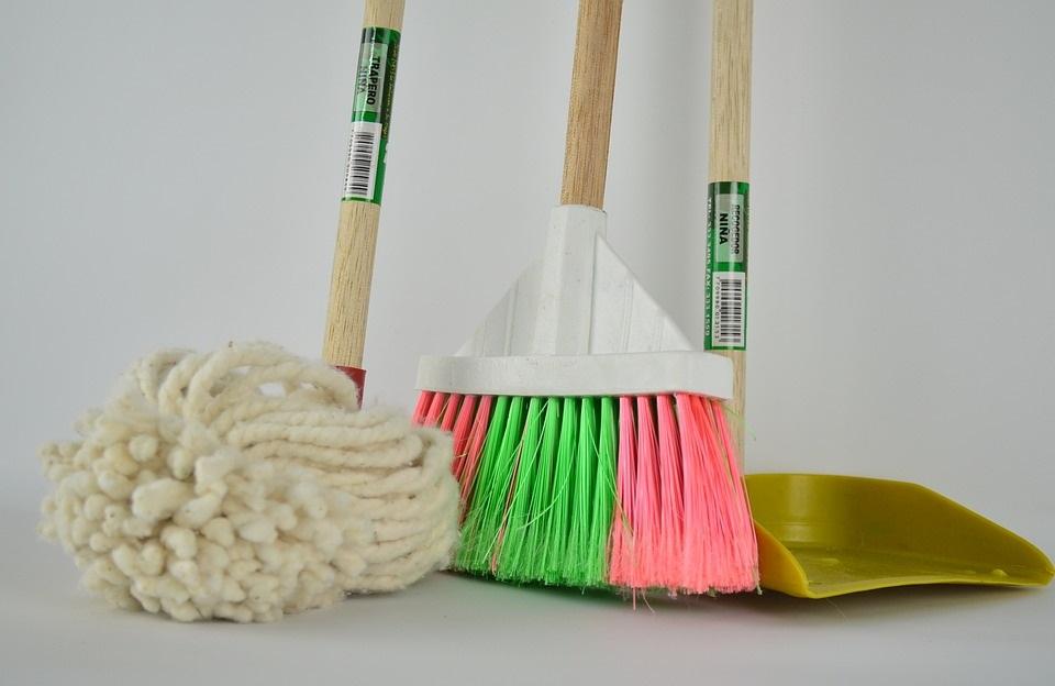 restaurant cleaning equipment